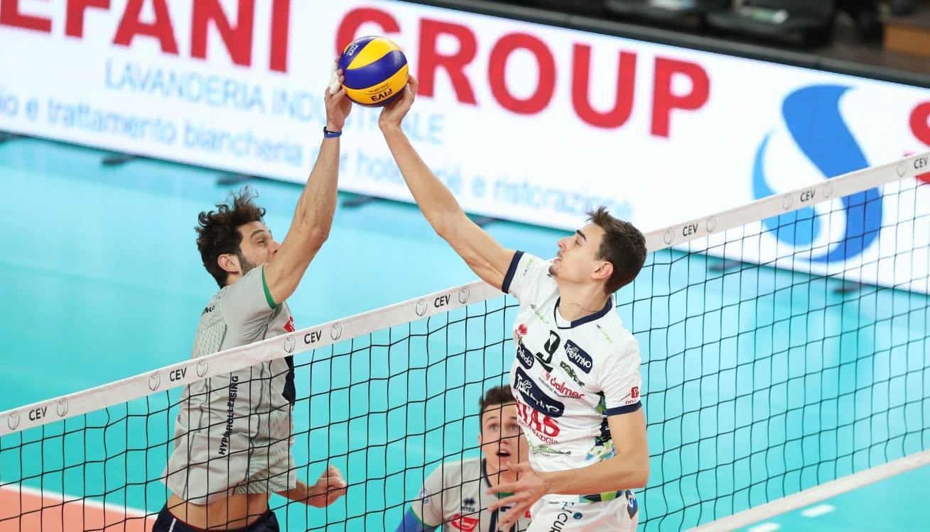 In un derby tutto Erreà, il Trentino Volley supera l'Hypo Tirol Alpen Volleys!